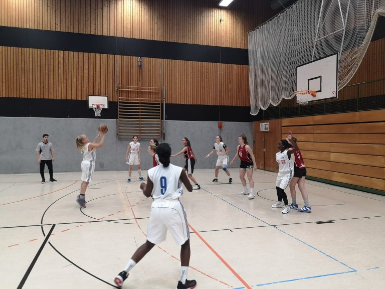 Basketballteam der Mädchen erneut Vize-Bezirksmeister